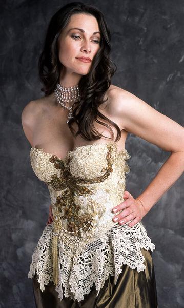 211_vintage-lace-_-chenille-flower-corset-2