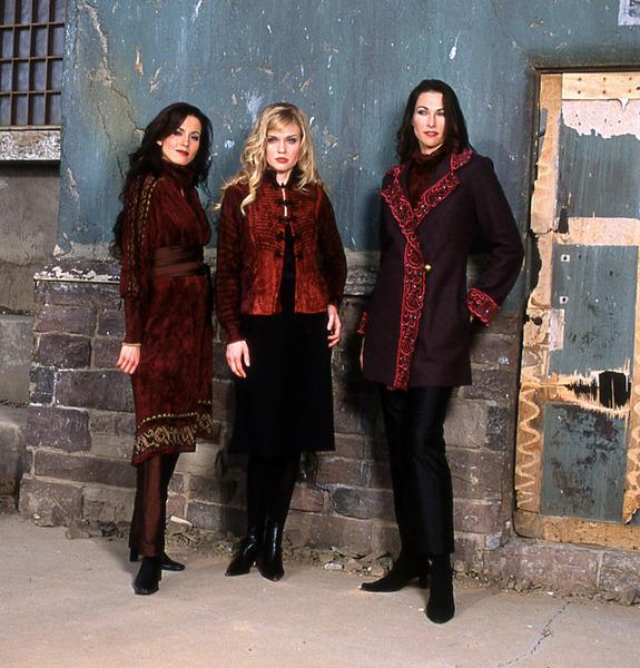 503_192_persian-coat-sweater-_-edwardian-jacket-sweater-_1102vte-wool-jacket-with-velvet-embroidered-trim