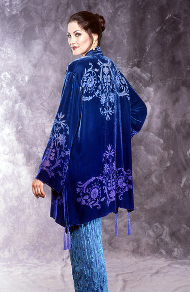69_1754-kimono-w-victorian-floral-devore