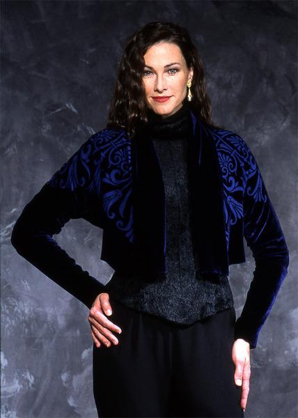 89_1787-shawl-collar-bolero-w-papyrus-square-devore