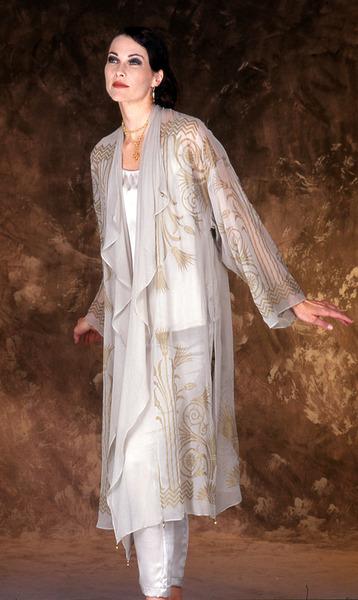 98_1942-pearl-grey-hand-printed-chiffon-kimono-coat